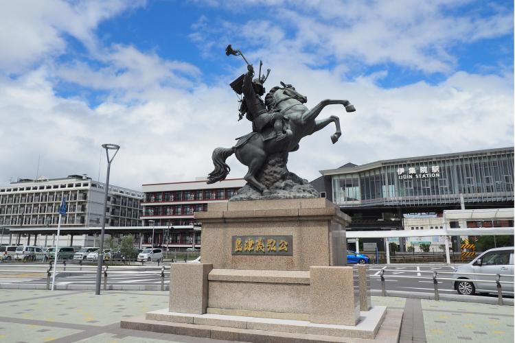 JR伊集院駅にある島津義弘公騎馬像
