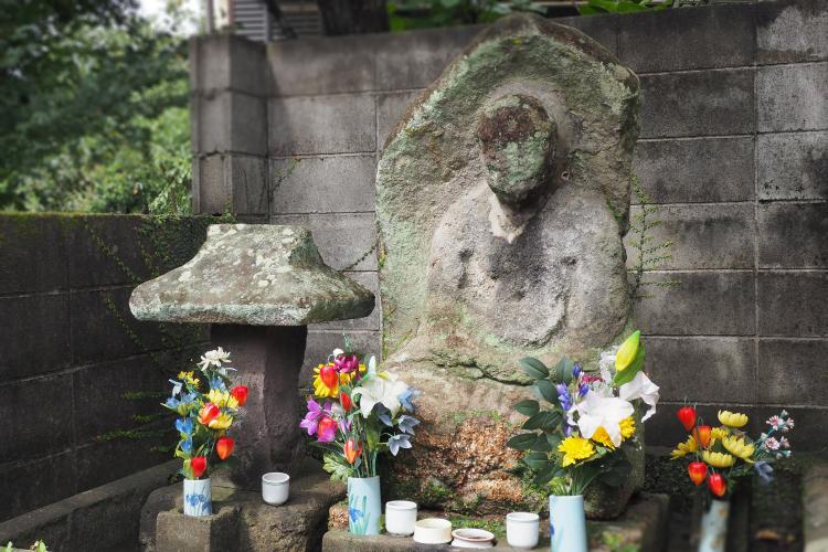 廃仏毀釈で壊された阿弥陀如来像